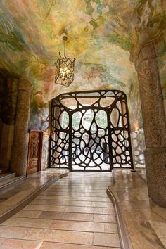 Casa Mila. 1905-10. Barcelona, Spain. Antoni Gaudi