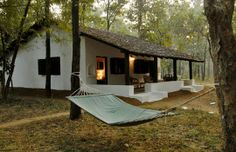 Kanha Tiger Reserve will always be special -- Sal, bamboo, meadows, the rivers Banjar and Tannaur and this lovely little boutique property: The Kipling Lodge Village House Design, Village Houses, Farmhouse Plans, Farmhouse Design, Kerala Architecture, Mud House, House Design Pictures, Natural Building, Courtyard House