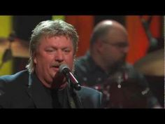 """Joe Diffie performs George Jones' """"White Lightning"""" Live at the Grand Ole Opry"""