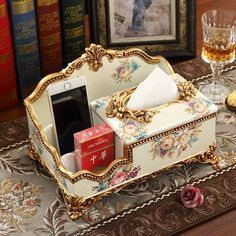 Новости Decoupage Box, Decoupage Vintage, Home Crafts, Diy And Crafts, Tissue Boxes, Cardboard Crafts, Painting On Wood, Diy Bedroom Decor, Decorative Boxes