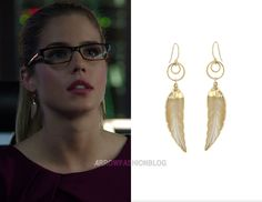 "Felicity wears Peggy Li in 3×07 ""Draw Back Your Bow"", 4×02 ""The Candidate"""