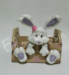Clay Projects, Clay Crafts, Diy And Crafts, Sculpey Clay, Polymer Clay Art, Cute Clay, Felt Decorations, Sugar Craft, Miniature Crafts