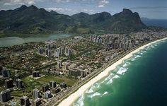A praia mais extensa do Rio espalha-se por 15 quilômetros