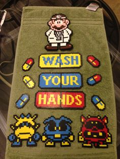 Mario towel - so appropriate Pony Bead Patterns, Perler Patterns, Beading Patterns, Geek Perler, Perler Bead Mario, Hama Beads, Fuse Beads, Geeks, Pixel Art