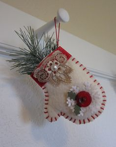 Hello friends, It is time for Papertrey's, Make it Monday layered vellum die. I made this ornament using felt and hand cutting it. Handmade Christmas Decorations, Felt Decorations, Felt Christmas Ornaments, Christmas Projects, Felt Crafts, Holiday Crafts, Christmas Sewing, Christmas Love, How To Make Ornaments