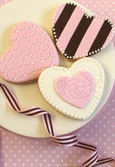 Valentines Cookies - time to start thinking about booking your Valentines Bake Parties :)   www.yourbakeshop.com