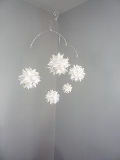 Hanging Origami Sphere Mobile 'Libra' Pearl White por theStarcraft