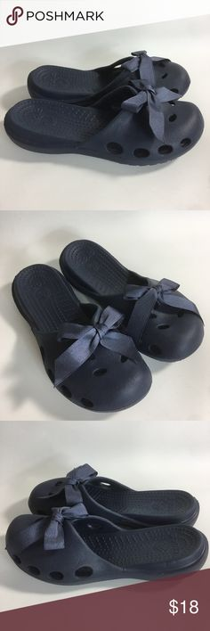 4fad8e6f11d75d CROCS WOMENS Navy Blue Mules Ribbon Bows Slides CROCS WOMENS SZ 8 Navy Blue  Mules Ribbon Bows Slides Slip On Rubber Shoes Appear nearly new