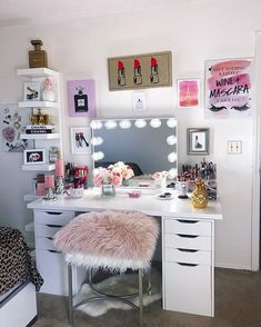 The My Dream Beauty Room Planner For Success In 2019 For How To Organize And Grow Your Makeup Collection Vanity Room, Vanity Decor, Vanity Ideas, Paint Vanity, Room Ideas Bedroom, Bedroom Decor, Fairylights Bedroom, Scandi Bedroom, Box Bedroom