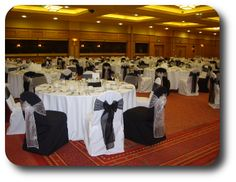 Alternating black and white chair covers--love it!