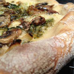 Caramelized onion, grilled mushroom, pesto pizza...  http://www.dotchew.com/dinner/leftovers-make-great-pizza/