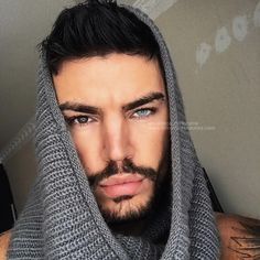 Solotica Hidrocor Quartzo (Quartz) Crushing on his eyes ? He's so gorgeous Gian Paltro wearing✨ Solotica Hidrocor Quartzo contact Dark Skin Green Eyes, Dark Brown Eyes, Gray Eyes, Light Eyes, Light Skin, 2 Different Colored Eyes, Colored Contacts, Natural Color Contacts, Blue Tattoo