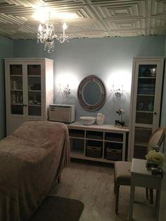 Facial room! LindsayLondon Beauty: