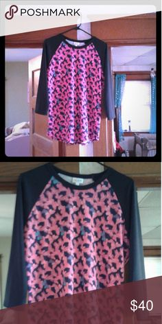Bnwot size large lularoe butterfly Randy Black sleeves with hot pink and baby blue butterflies LuLaRoe Tops Tunics