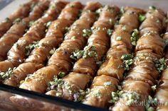 Το σαραγλί και τα μυστικά του ⋆ Cook Eat Up! Greek Sweets, Greek Desserts, Greek Recipes, Greek Pastries, Asparagus, Holiday Recipes, Sweet Tooth, Deserts, Dessert Recipes