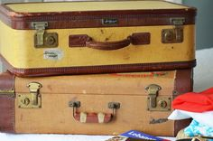 LOVE the old suitcases...wish I still had them!
