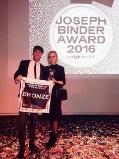 Katharina Seiler, Agentur Nebulabor, und Rene Koch, Cafe Mitte, freuen sich über den Joseph Binder Abward 2016 (Foto beigestellt) Joseph, Awards, Bronze, Events, Photos, Graz, Cook
