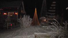 FLAG POLE CHRISTMAS TREE