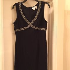 Embroidered evening dress Simple black go-to dress. Embroidered detail adds just enough interest. Fits like a 10. Papell Boutique Dresses