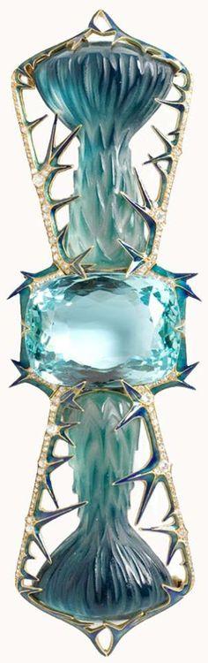 LALIQUE corsage ornament