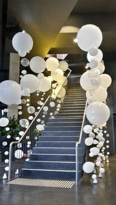 Tissue Paper Flowers Discover 45 Awesome DIY Balloon Decor Ideas - Pretty My Party - Party Ideas Entrance Decor Aerial South Wharf Melbourne Wedding Balloon Decorations, Wedding Balloons, Wedding Backdrops, Baloon Decor, White Party Decorations, Beach Decorations, Wedding Bubbles, Prom Decor, Wedding Ideas With Balloons