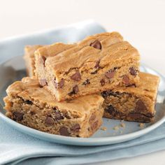 Peanut Butter Cake Bars - I don't think I could live without peanut butter <3