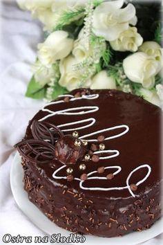 tort czekoladowy , pyszny tort , krem do tortow , krem czekoladowy , puszysty biszkopt , fruzelina , ostra na slodko , latwy tort , pyszny tort na swieta, ganache 9 (2)x Torte Cake, Cookie Desserts, Something Sweet, Coffee Cake, Cake Cookies, Chocolate Cake, Cake Recipes, Cake Decorating, Sweet Treats