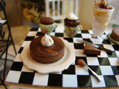 Chocolate swirl cheesecake 1:12