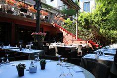 Terrasse secrète à Lyon : restaurant Carmelina. Restaurants, Lyon France, Lyon Restaurant, Places To Go, Lyonnaise, Shopping, Travel, Places, Vacation