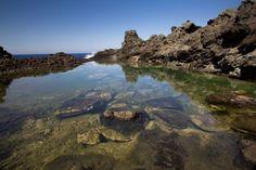 Il laghetto Ondine si trova nell'isola di Pantelleria in Sicilia, è una piscina naturale creata con l'erosione delle rocce. E' immersa tra scogli e pinete.