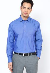 Keep things light and airy as you adorn this formal shirt from the house of John Miller. Add a dressy touch to your look by adorning this formal shirt that features a button-down style and a classic collar.