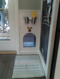 nice doggie door and a welcome mat & Love the idea of framing out the doggy door!! | can we ... Pezcame.Com