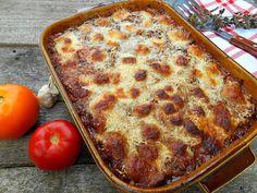 Lasagna cu vinete, o alternativa vegetarianala preparatul clasic italian   Trebuie sa recunosc, pentru o perioada lunga de timp, pentru mine nu a existat alt mod de a consuma vinetele decat...