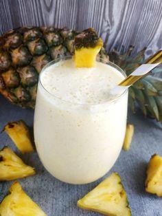 Piña colada smoothie Pina Colada, Smoothie Recipes, Glass Of Milk, Panna Cotta, Pudding, Ethnic Recipes, Fit, Dulce De Leche, Shape