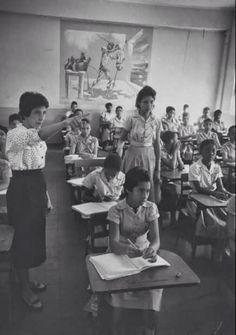 Escuela Publica,  Ciudad Trujillo, República Dominicana. Imagen del año 1959. Fuente : Life Magazine / colaboración de Pablo López . noviembre 2014 ~ DATOS, BIOGRAFIAS, FOTOS Y VIDEOS SOBRE LA HISTORIA DE REPUBLICA DOMINICANA