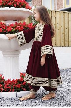 Fashion Clothes For Toddlers Info: 8506723322 Kids Party Wear Dresses, Designer Party Wear Dresses, Indian Designer Outfits, Dresses Kids Girl, Girls Dresses Sewing, Pakistani Kids Dresses, Pakistani Dress Design, Stylish Dresses For Girls, Stylish Dress Designs