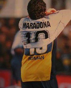 Despedida de Diego. Se va Maradona pero sigue Román Argentina Team, Diego Armando, Football Gif, Curly Bob Hairstyles, Albert Einstein, Dream Team, Art Music, Messi, Nike Free