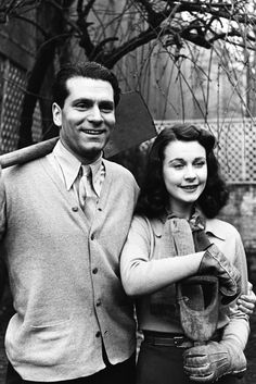Laurence Olivier and Vivien Leigh at home, 1941.