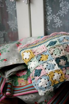 Love the colours in this blanket