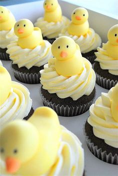 10 Cupcake Ideas for Any Baby Shower food cupcakes treats baby shower baby shower ideas baby boy baby girl baby shower cupcakes cupcakes ideas Torta Baby Shower, Baby Shower Duck, Boy Shower, Baby Cakes, Mini Cakes, Cupcake Cakes, Cupcake Ideas, Cupcake Recipes, Easter Cupcakes