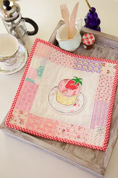 Minki's Work Table | Sewing Illustration