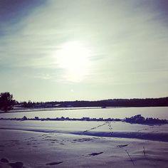 Keväthanget  Beautiful February  . . . . . . . #kevättulee #kevättalvi #helmikuu #february #igfinland #thisisfinland #visitfinland #maallaonhyväolla #snow #pelto #field #beautiful #season #seasons  #instagood #sunny