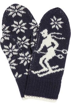 And matching gloves, as well. (Aubin & Wills Fontwell intarsia wool mittens on The Outnet) Knitted Mittens Pattern, Knit Mittens, Knitted Gloves, Knitting Patterns, Knitwear Fashion, Fair Isle Knitting, Textiles, Winter Sweaters, Knitting Projects