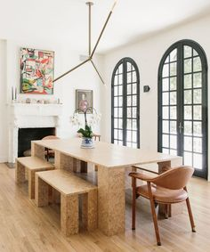 modern dining table and benches in a mediterranean style dining room Architecture Design, Interior Design Degree, Modern Dining Table, Dining Rooms, Dining Area, Fine Dining, Daughters Room, Architectural Digest, Traditional Design