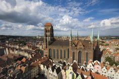 Bazylika Mariacka Wniebowzięcia NMP z XIV-XVI w. na Głównym Mieście w Gdańsku (Polska) to największa średniowieczna świątynia z cegły w Polsce i na świecie.