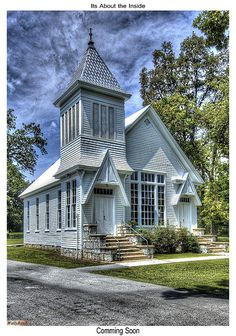 Cove Methodist Church - don't know where it is, but really like the architecture of this building - simple though it is, the pitch and peaks of the roof lines send your eyes to the heavens. Abandoned Churches, Old Churches, Abandoned Places, My Father's House, Church Pictures, Old Country Churches, Take Me To Church, Church Architecture, Cathedral Church