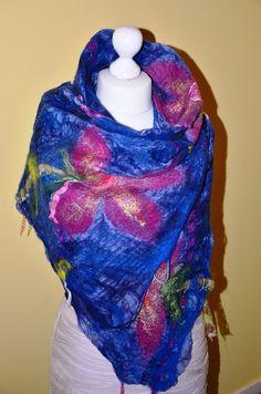 Nuno feutrée châle écharpes bleu en laine  echarpe par Tutenafelt, €40,00