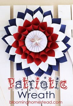 This is one pinwheel wreath we'd be proud to show off on our front doors.