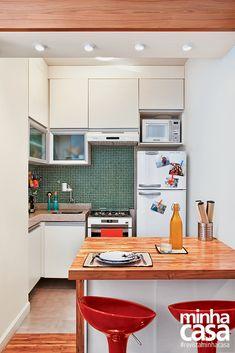 Quitinete de 27 m² é a acolhedora morada de um jovem casal   <i>Crédito: Fotos Juliano Colodeti - Mca Estúdio (Rj)