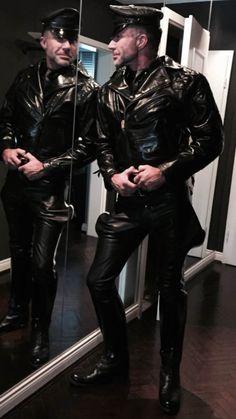 Men Leather World Leather Hats, Leather Fashion, Leather Men, Leather Jacket, Fashion Moda, Mens Fashion, Leder Outfits, Men In Uniform, Cop Uniform